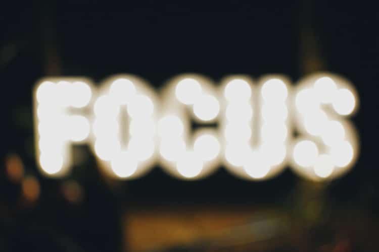 Consultor/a de marketing online - foco